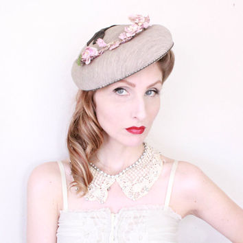 1940s Hat / VINTAGE / 40s Hat / Saucer / Grey Knit / Pink Blossoms / Charcoal Bow /  SALE