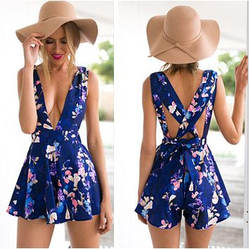Back Cross V-neck Fashion Flower Print Short Jumpsuit