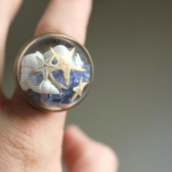 Nautical Terrarium Dome Ring in Bronze, Starfish Terrarium Ring, Mermaid Seashell Ring, Beach Terrarium Ring, Mermaid Terrarium Ring