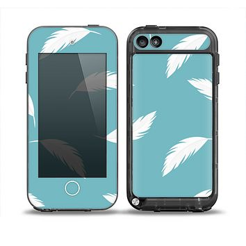 The Simple White Feathered Blue Skin for the iPod Touch 5th Generation frē LifeProof Case