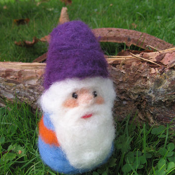 Needle felted gnome. Needlefelt gnome. Handmade. Soft sculpture. Woolen gnome. Fairytale creature.