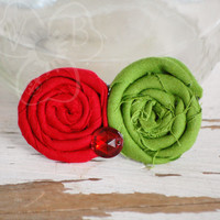 Holly Jolly rosette holiday hair clip from VioletsBuds