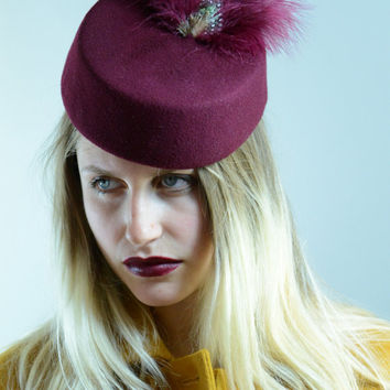 Maroon Cocktail Hat -  Felt Fascinator Hat with Feathers -  Vintage hats