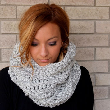 chunky cowl, crocheted cowl, chunky scarf, infinity scarf, crochet scarf, circle scarf, ribbed cowl / THE MELBA / Heathered Grey / Acrylic