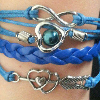 Infinity Bracelet with a beautiful heart and faux pearl.  Friendship bracelet and best friend gift.