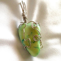 Silver wire wrapped crystal pendant (green howlite, dyed)