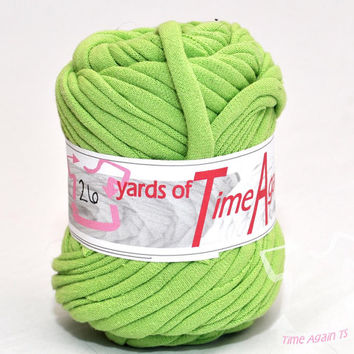 Kelly Green t-shirt yarn 26 yards upcycle recycle craft crochet knitting supply zpagetti yarn