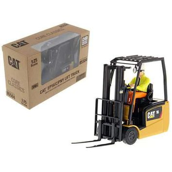 CAT Caterpillar EP16(C)PNT EP13-20 (C)PNT Range Lift Truck with Operator Core Classics Series 1/25 Diecast Model by Diecast Masters