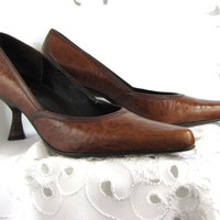 Caramel Brown Leather Brocade Pump Shoes  Michelle K With Leather Soles (Vintage)