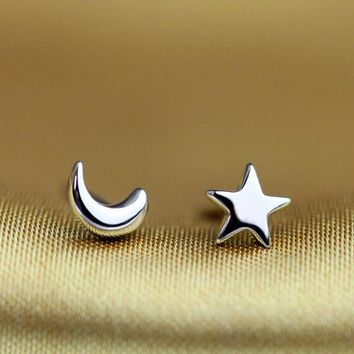 New Star & Moon Minimilist 925 Sterling Silver Stud Earrings For Women 1Pair