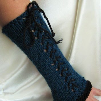 Victorian Wrist Arm Warmers warm wool alpaga alpaca mittens corset knitted crochet fingerless gloves romantic gothic mitaines steampunk