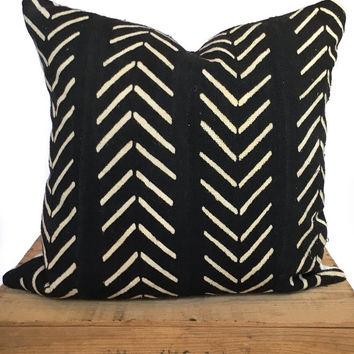 20 Inch Black and White African Mud Cloth Pillow Cover