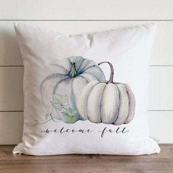 Fall Pillow Cover // Welcome Fall Pumpkins