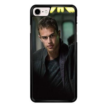 Theo James-Divergent  iPhone 7 Case
