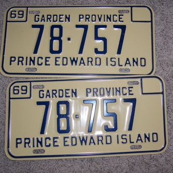 1969 Canada Prince Edward Island Matched Pair License Plate 78-757