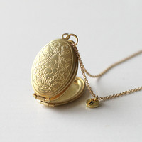 locket pendant necklace,brass Locket Necklace with turquoise,vintage style,for her, gift for mom, Mother's Day gift, family necklace