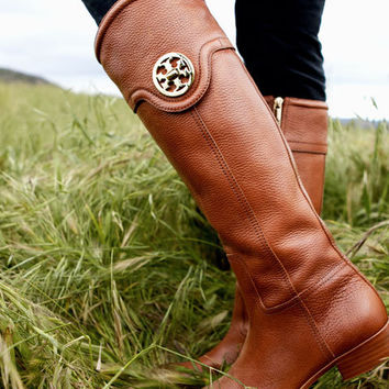 Style Tip: The Flat Boot | Tory's Blog