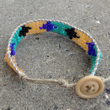 tribal/aztec pattern beaded wrap bracelet with hemp and seed beads
