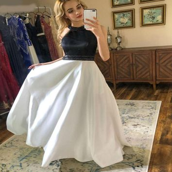 Sexy A-Line Prom Dresses Long Halter Beaded Prom Dress Formal Evening Party Gowns