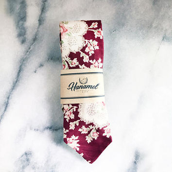 Vintage Red Floral Tie - Dapper Style Tie - Wedding Red Tie - Mens Red Flower Tie - Groomsmen Tie - Red Flower Tie