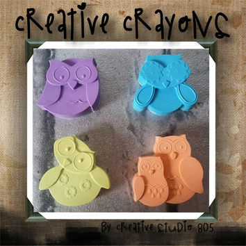 ADORABLE OWLS / shaped crayons / party favors / birthday / baby shower