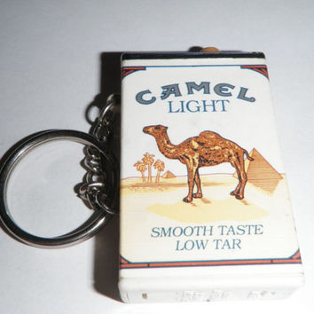 Camel Flash Light Key Chain Vintage Smooth Taste Low Tar Camel Lights Lite Pack Flashlight Works Good Battery with Key Chain