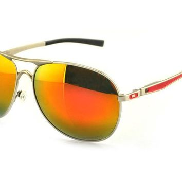 Discount Oakley plaintiff sunglasses for men