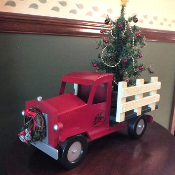 Vintage Hallmark Hall Bros Old Fashioned Christmas Tree Farm Truck