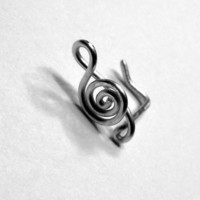 Treble Clef Nose Ring 20 gauge