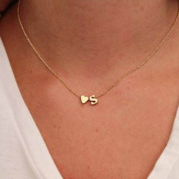 New simple peach heart-shaped letter necklace