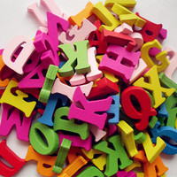 SIBAOLU 100pcs 15mm Mixed Letter alphabet nonporous wooden Scrapbooking Carft for decoration Diy
