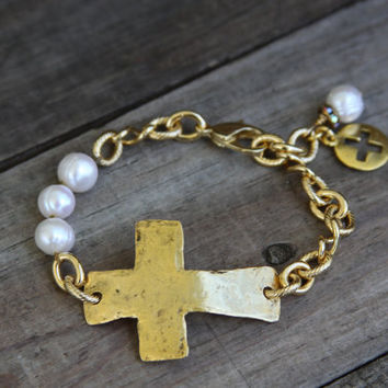 Sideways Cross Bracelet, Gold Cross, Freshwater Pearls, Chain bracelet, Stacked bracelet, Religious, Spiritual