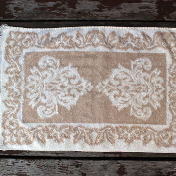 Vintage Beige & White Hand or Dish Towel with Fringe | Neutral Colors | Bathroom or Kitchen Decor