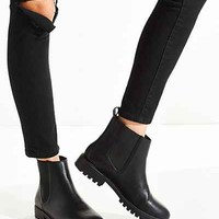 Toba Chelsea Boot - Urban Outfitters