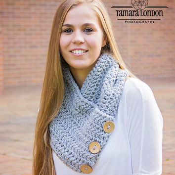 Chunky crochet cowl with coconut buttons, crochet scarf, crochet cowl, button cowl