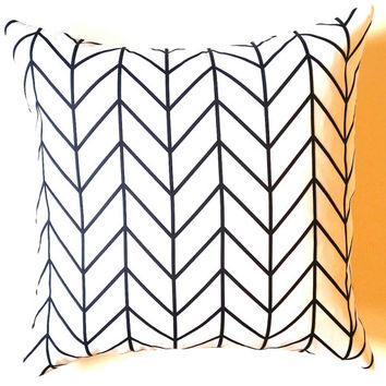 Pillow Cover, Chevron Pillow Cover, 18 x 18 Stylish Black & White Pillow Cover, Throw Pillow, Toss Pillow, Sofa Pillow