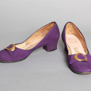 40s 50s PURPLE Suede HEELS / Gold Buckle Detail Babydoll SHOES, 7.5