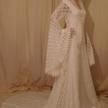 renaissance lace wedding dress, vintage style lace dress,elven dress,fantasy wedding dress,lace handfasting dress,medieval dress custom made