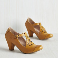 Vintage Inspired Picture of Poetic Heel in Saffron