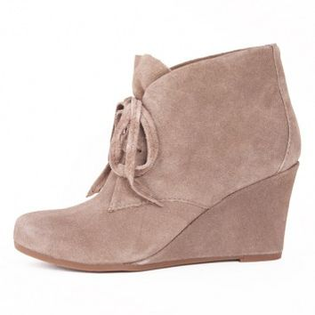 PELLIE BOOTIE/ TAUPE by DV BY DOLCE VITA