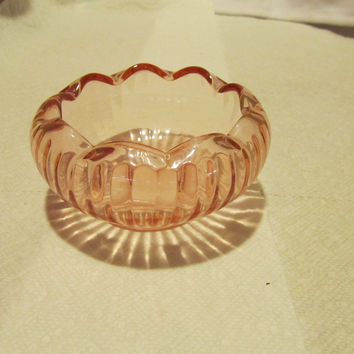 VINTAGE PINK DEPRESSION GLASS FLOWER HEAD BOWL