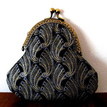 Art deco shell print purse / metallic gold / handmade / small purse  / wallet / lined purse / purse / clasp coin purse