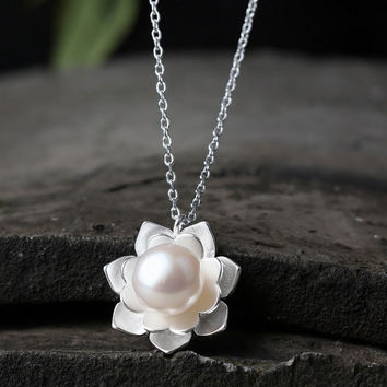 Pearl Heart Peony Fashion Necklace - LilyFair Jewelry