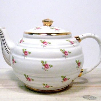 SADLER Tea Pot Fine Eathernware Teapot, White, Pink Roses, Gold Decorated