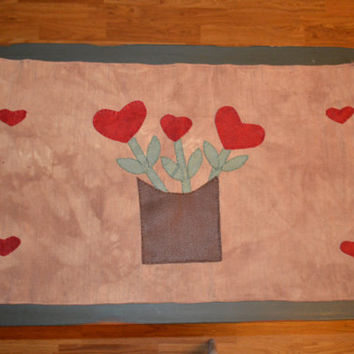 Heart Table Runner, Valentines Day, Holiday Runner, Primitive Decor, Rustic Decor, Gift for Mom, Heart Flowers, Heart Decor, Valentine Gift
