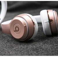 Beats Solo 3 Wireless Magic Sound Bluetooth Wireless Hands Headset MP3 Music Headphone with Microphone Line-in Socket TF Card Slot For Women Men Couple Rose gold B