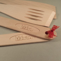 Personalized wood kitchen spatula, wedding favor, christmas gift, christmas present idea, custom kitchen utensil, kitchen decor