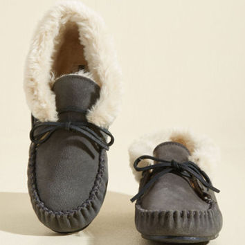 Head to Cozy Suede Slipper in Pebble