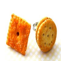 Cheese Crackers Ring
