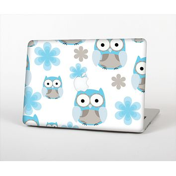 "The Subtle Blue Cartoon Owls Skin Set for the Apple MacBook Pro 13"" with Retina Display"